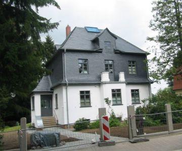 Sanierung denkmalgeschützten Villa und Anbau einer Terrasse